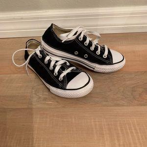 Kids converse shoes size 13